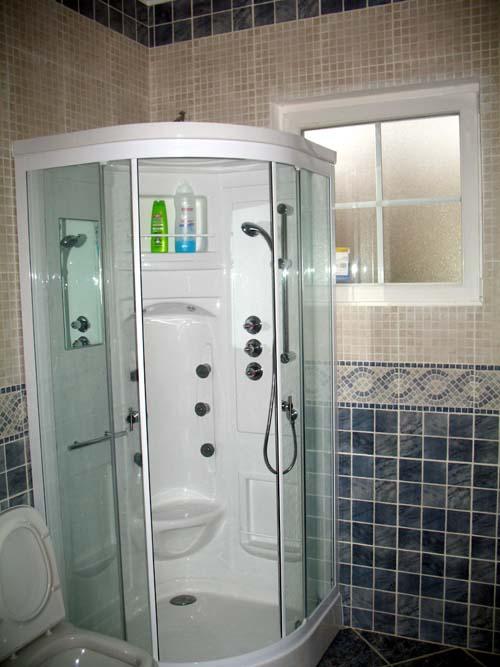Cabina de ducha en casas prefabricadas foto casa de - Cabinas de duchas de bano ...